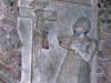 Grabmal der Anna von Viermund - Detail Anna von Winnenberg und Beilstein, verwitwete Gräfin zu Waldeck, geborene Freifrau von Viermund stirbt am 16. April 1599 ganz unversehens und wird am 20. April in der Kirche zu Nieder-Ense beigesetzt. Auf ihrem Grabmal kniet Anna vor dem Gekreuzigten und hält eine Bibel in der Hand. (© Hans-Otto Landau)