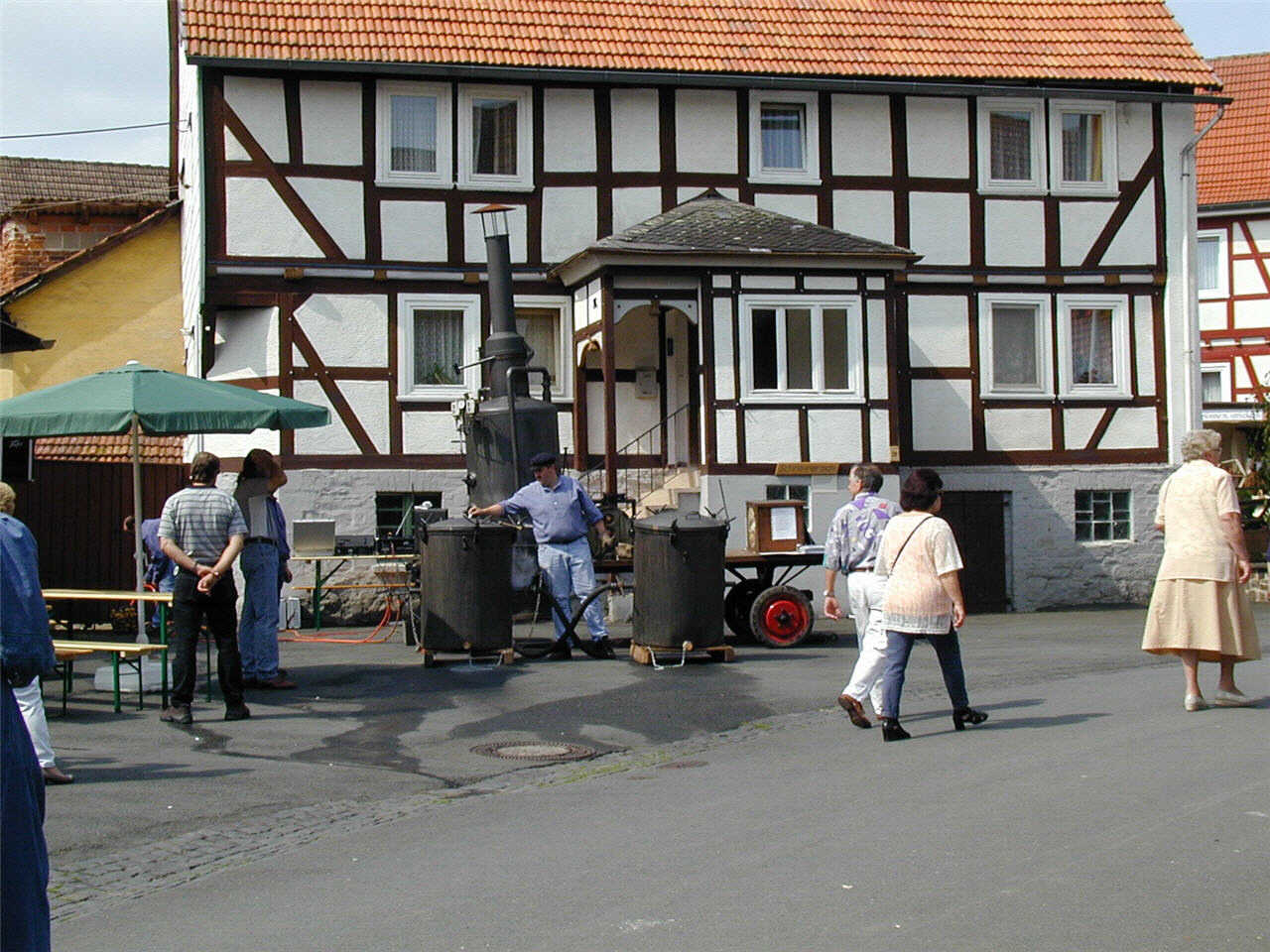 """Laisaer """"Kartoffeldämpfanlage"""" mit Öl befeuert bei Schneinrersch Hof. (© Detlef Battefeld)"""