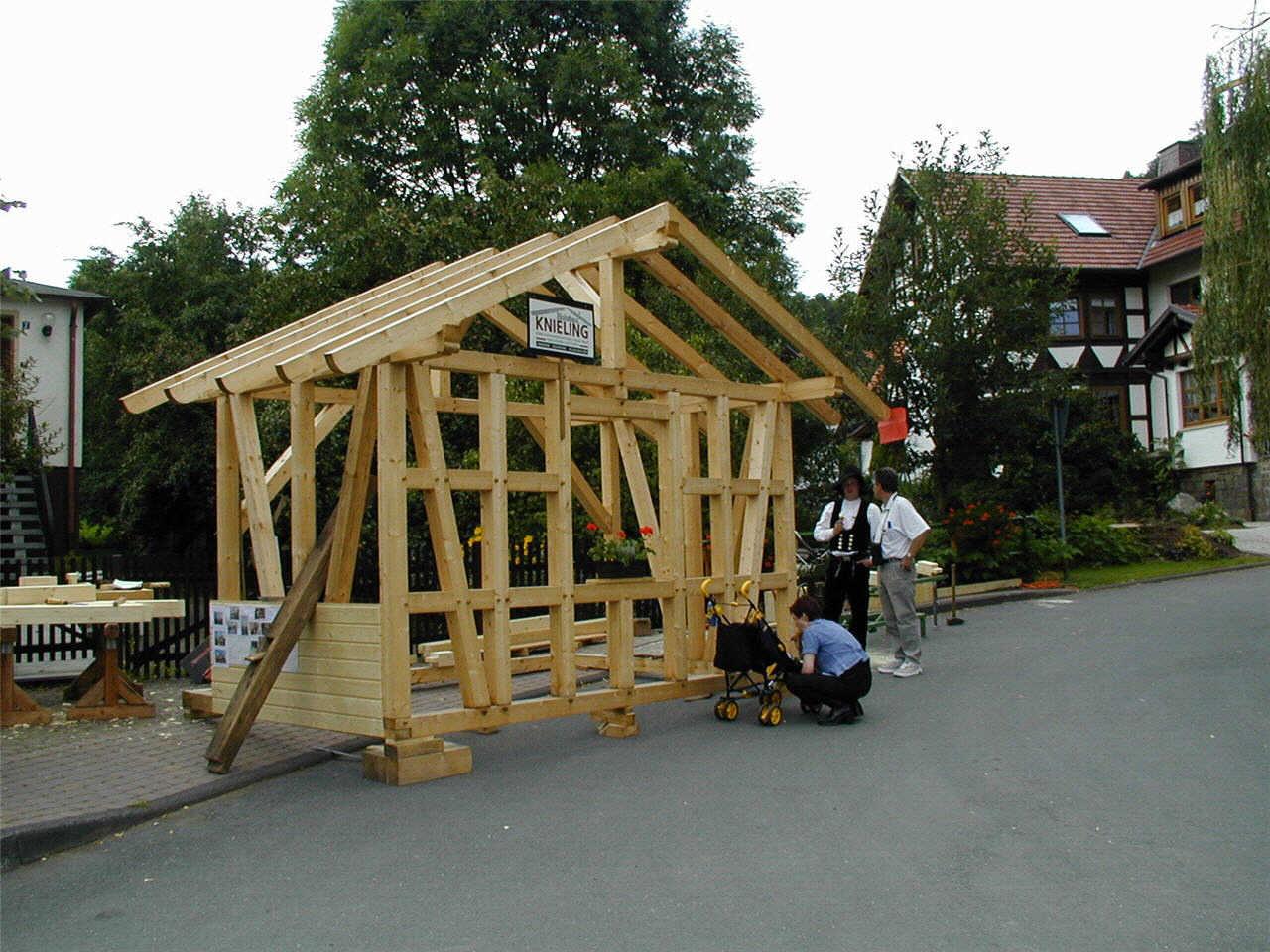 Aktuelle Holzbautechnik bei Knieling. (© Detlef Battefeld)