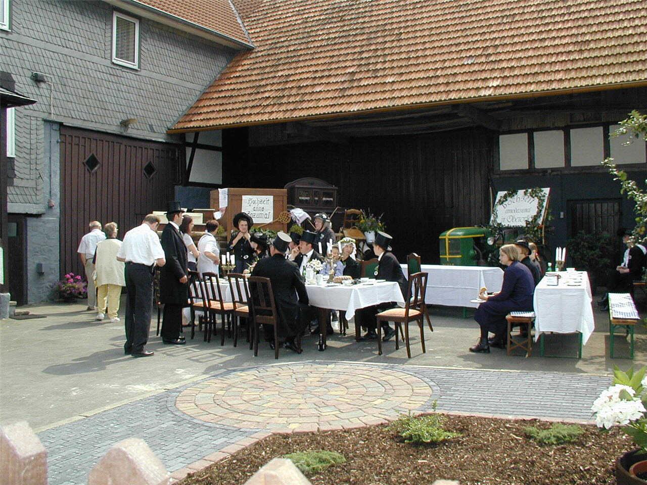 """""""Hochzeit anno dazumal"""" auf Bunzenthal (Hillen) Hof."""