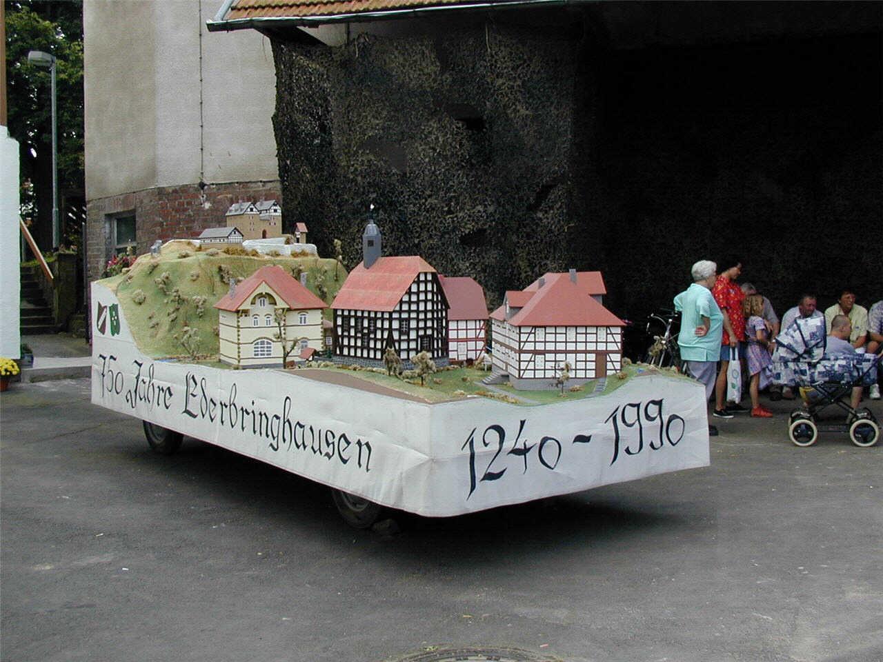 Modell der alten Kirche in Ederbringhausen (heute im Hessenpark).