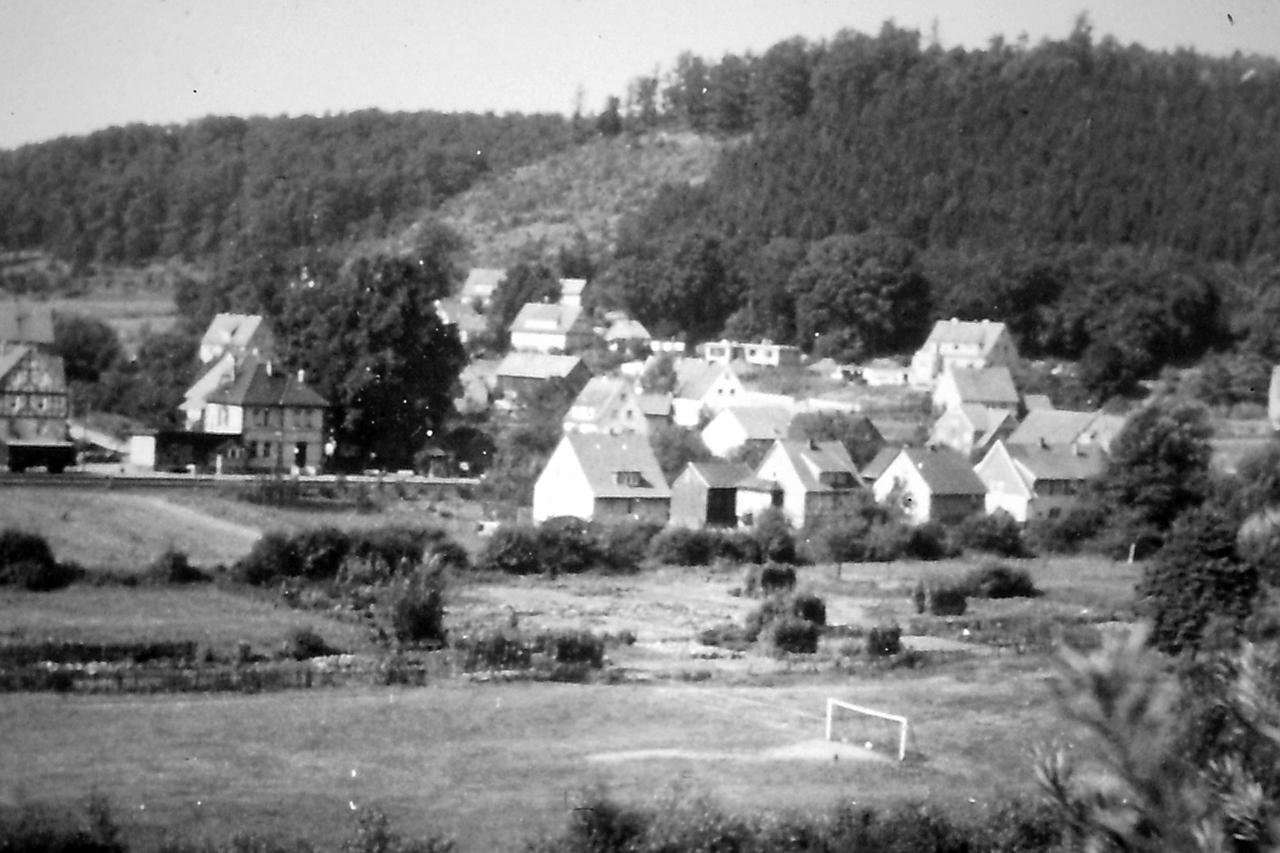 "Blick vom ""Kahlen Berg"" Anfang 1950er. (© Stadt Frankenberg Eder)"