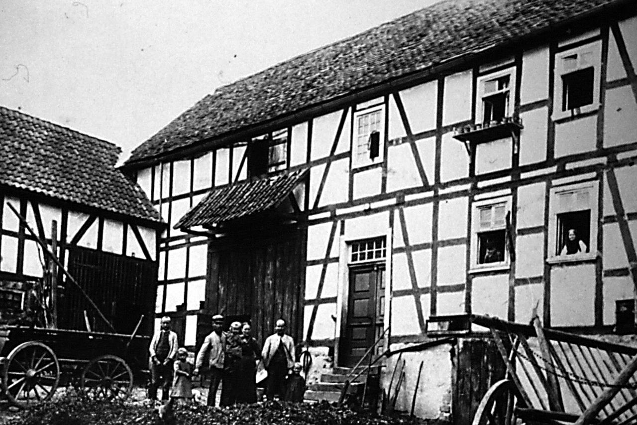 """""""Kahls"""" Haus Hauptstraße 18, Ende 1920. (© Stadt Frankenberg Eder)"""