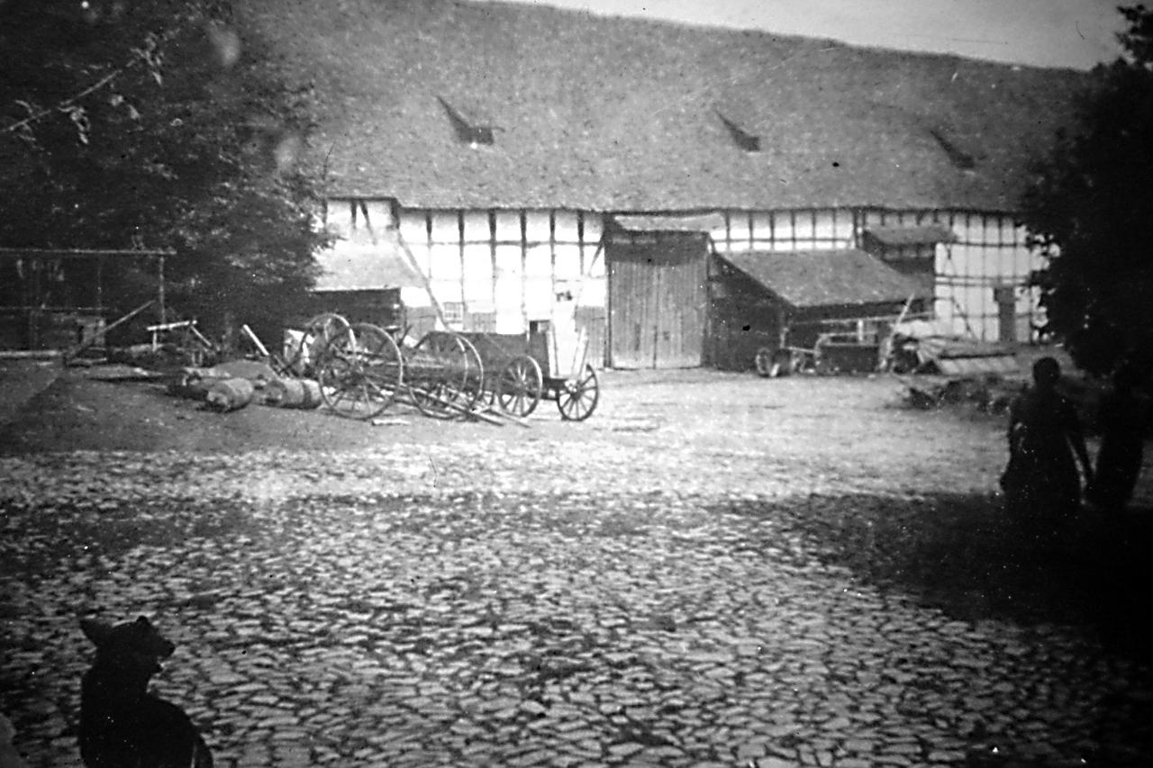 Stallungen vom Gutshof vor 1927. (© Stadt Frankenberg Eder)