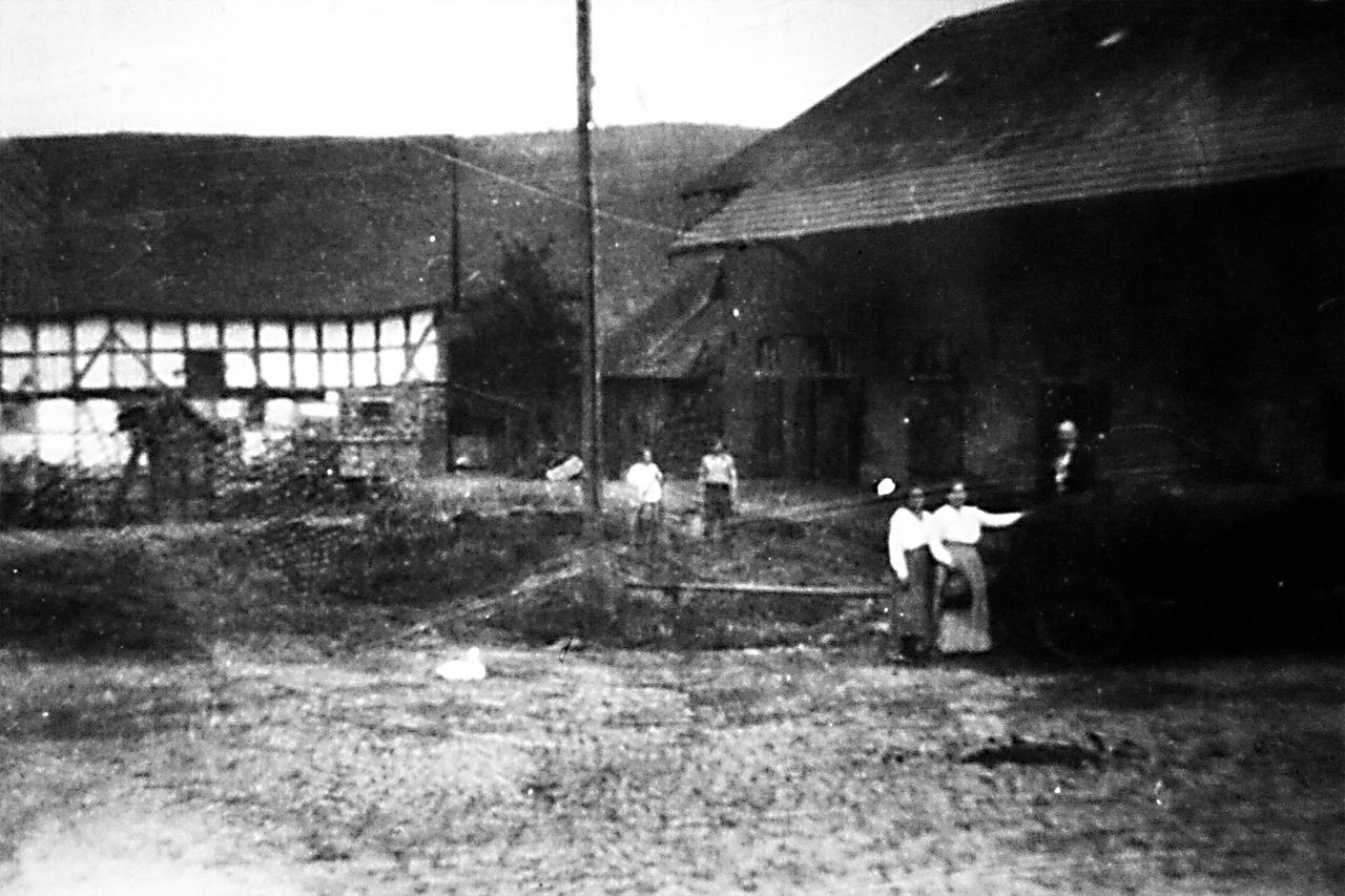 Gutsscheune frühe 1900er. (© Stadt Frankenberg Eder)