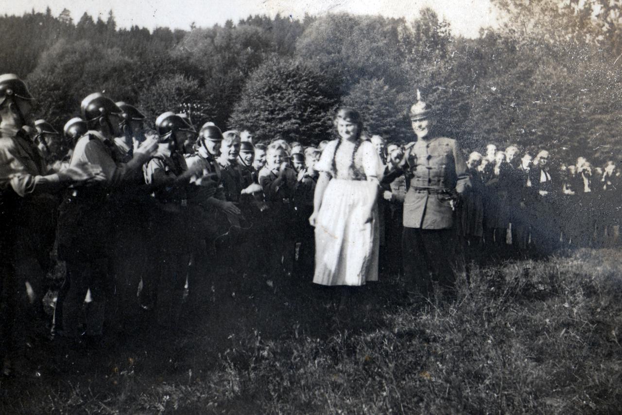 """Schützenfest """"Schützenkönig und Braut"""" 1939. (© Familie Adolf Kruppa)"""