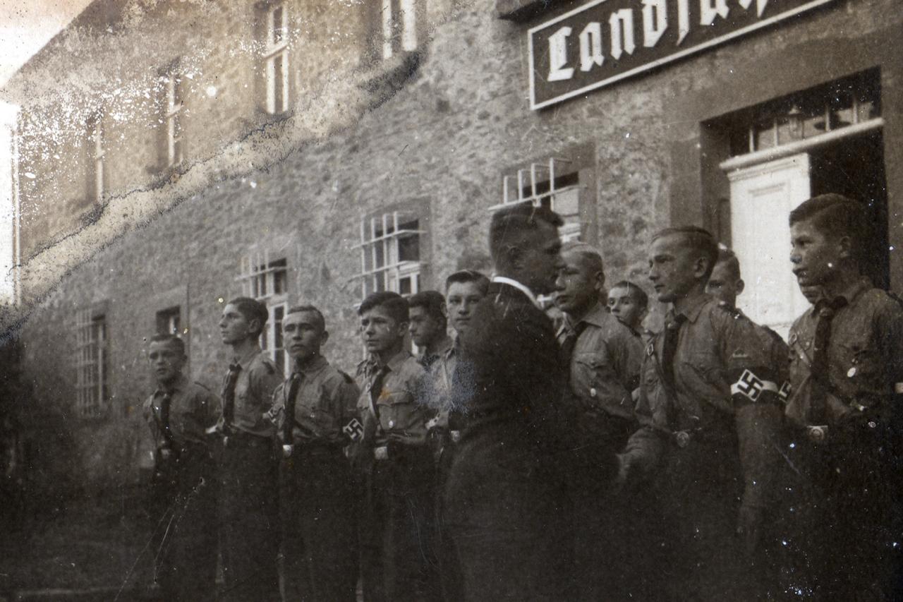 Landjahrlager 1939, Verabschiedung von Lagerführer Robert Roth (eingezogen), Übernahme der Leitung durch Lagerführerin aus Ederbringhausen sowie den Gruppenführern Spor und Hose.