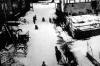 Kinder beim Schlitten fahren auf der Dorfstraße um 1950. (© Stadt Frankenberg Eder)