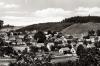 Aufnahme Blick auf Viermünden von der Ederstraße (Kahlen Berg) um 1965. (© Ansichtskarte)