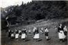 Landjahrlager beim Volkstanz im Teich (heute Hegeberg) 1939.