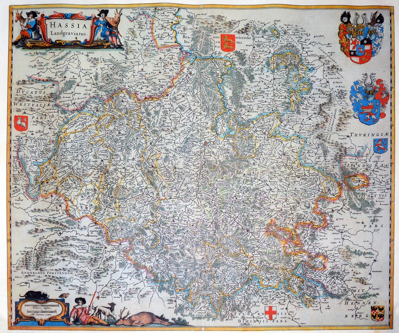 Kupferstich von Willem Blaeu um 1642. Grenzkolorierte Karte von Niederhessen mit Marburg, Fulda und Kassel. Links oben altkolorierte Rollwerkkartusche, links unten altkolorierter Meilenzeiger und sieben altkolorierte Wappen.